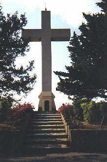 Het kruis aan het eind van de kruisweg
